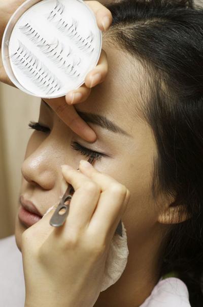 单眼皮眼睛要怎么化妆 单眼皮化妆技巧 单眼皮女生的眼妆技巧