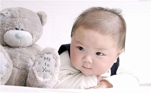 6个月宝宝的发育指标 6个月宝宝发育指标 6个月宝宝早期教育