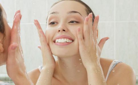 洗面奶洗脸可以抗衰老吗 抗衰老洗面奶有效吗 抗衰老洗面奶有用吗