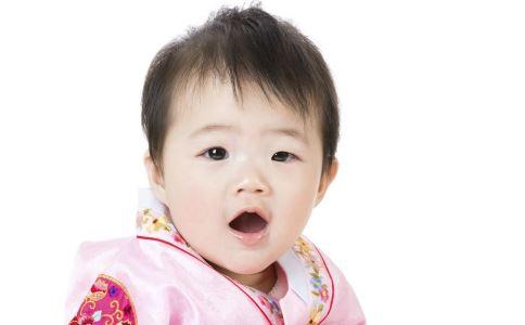 儿童畸形牙齿图片
