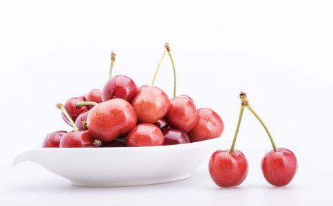 宝宝怎样吃水果健康 宝宝几岁可以吃水果 哪些水果宝宝不能吃