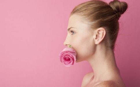 女人口臭的原因与治疗方法