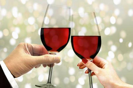 女性喝红酒_女人喝红酒的九大好处(2)_女人养生_中医_99健康网